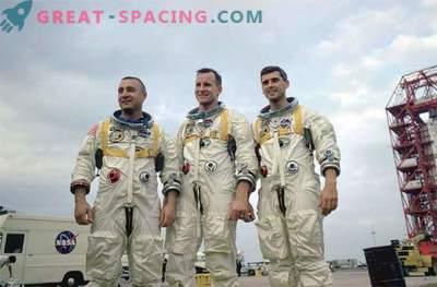 49 years ago Apollo's team died - 1