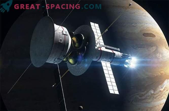 Interstellar ship