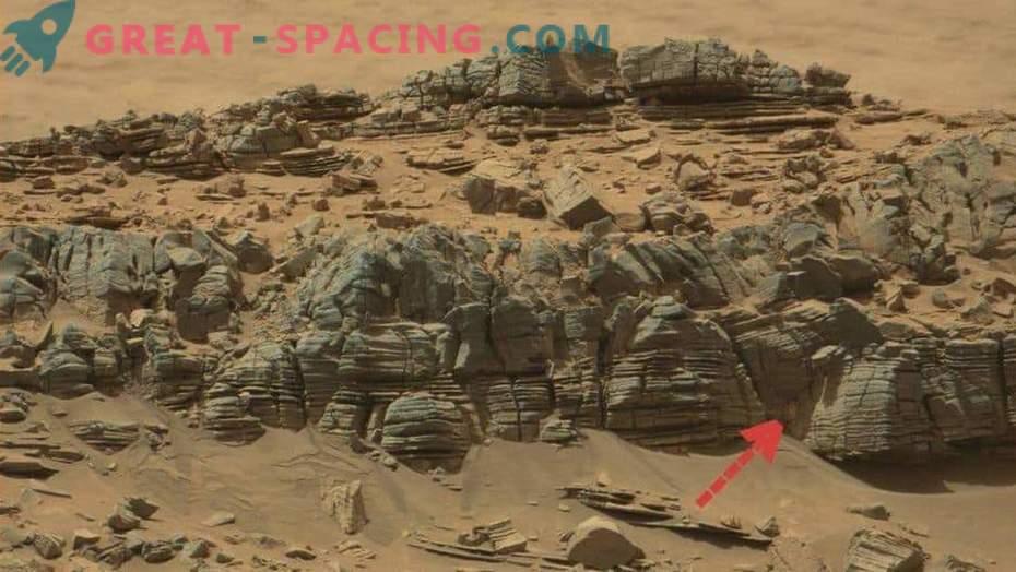 10 strange objects on Mars! Part 3