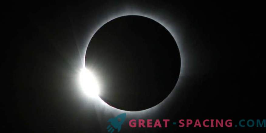 The Eclipse Megamovie project is looking for helpers to analyze 50,000 photos.