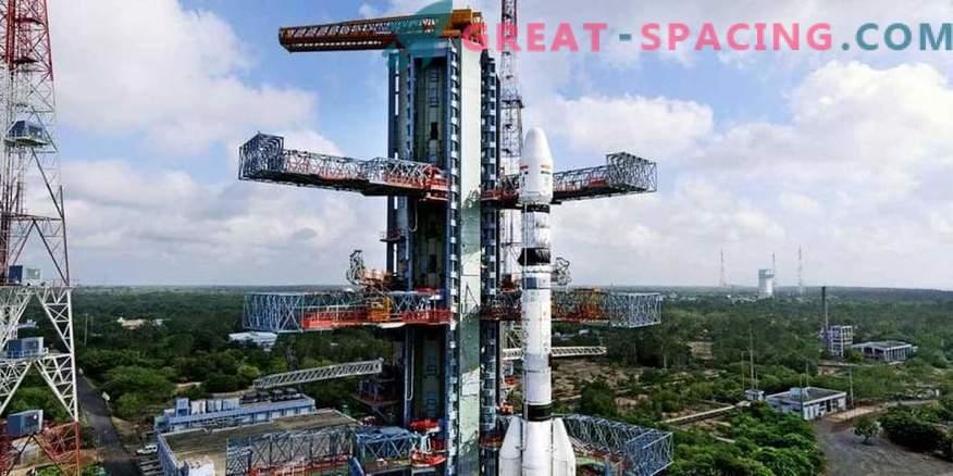 India launches mega rocket