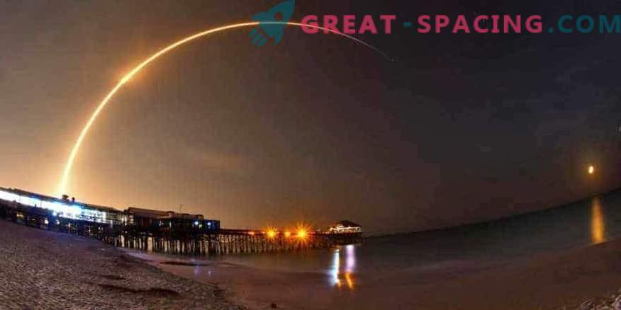 SpaceX launches communication satellite