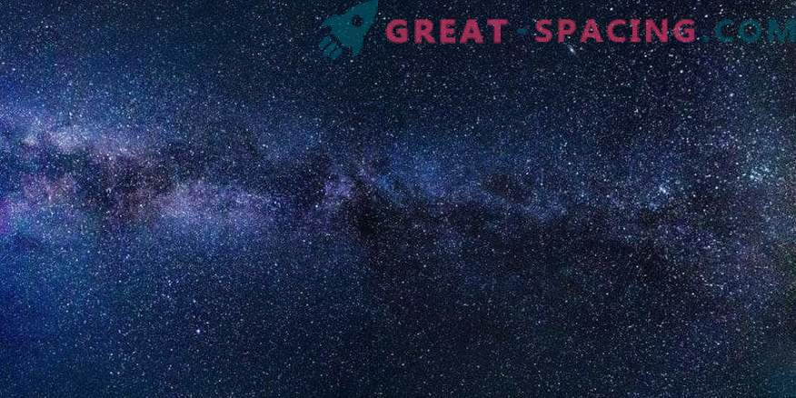 Can aliens use stars for salvation in an expanding universe?