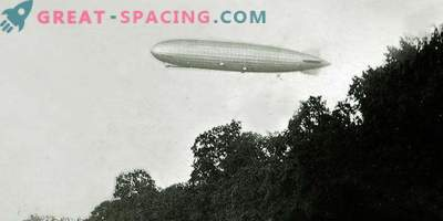 Mysterious airship or unidentified object. What did the witnesses describe in 1896