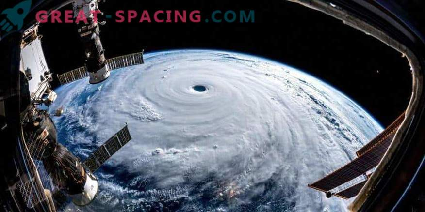What does the scale typhoon Trami look like from the height of the ISS