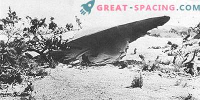 Roswell Incident - 1947 Ufologists are sure that the military hid the wrecked alien ship