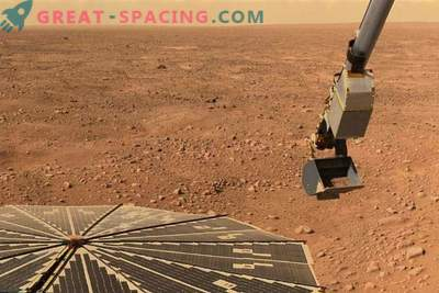Salt water creates a basin in the soil of the equator of Mars
