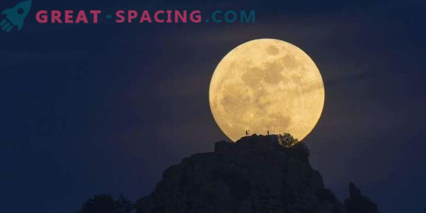 The moon will take on an unusual color for the first time in 150 years.