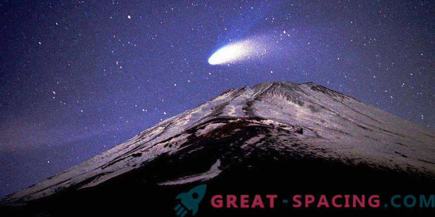 Religious fanatics committed suicide because of a comet's arrival in March 1997