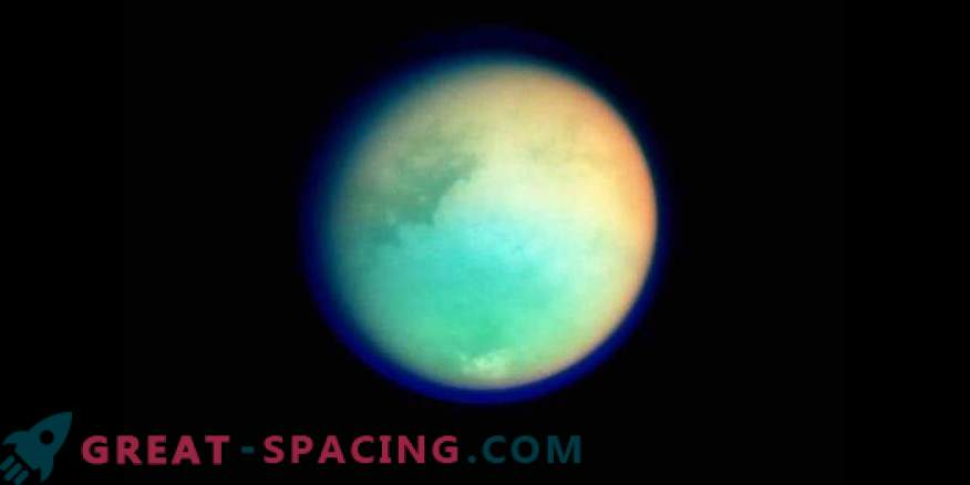 Saturn's Titan Satellite Shows Fresh Fallout