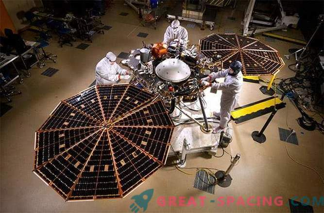 NASA begins testing the next surprising Martian descent module - InSight