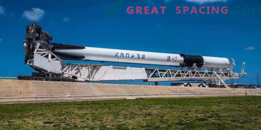 New start from SpaceX after a month of silence