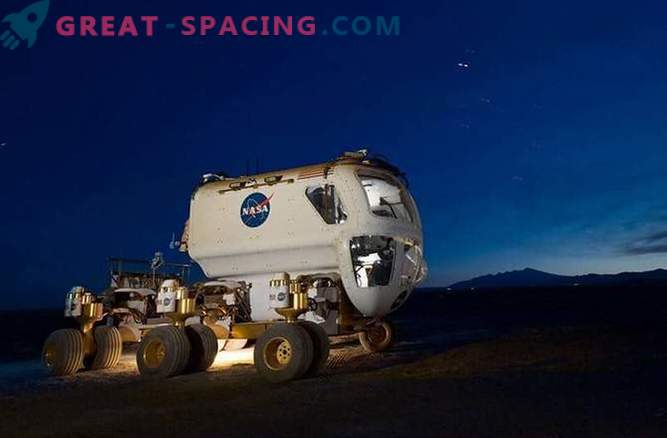 Photos showing the development of NASA technology for a flight to Mars