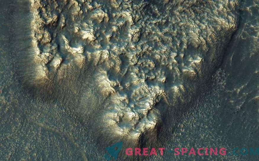 Mystery of the liquid: How could water appear on Mars in liquid form?