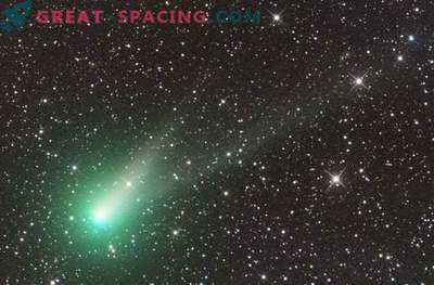 Merry Christmas with Comet Catalina