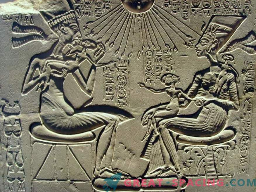 Paleocontact: did extraterrestrial intelligence influence the development of human civilization