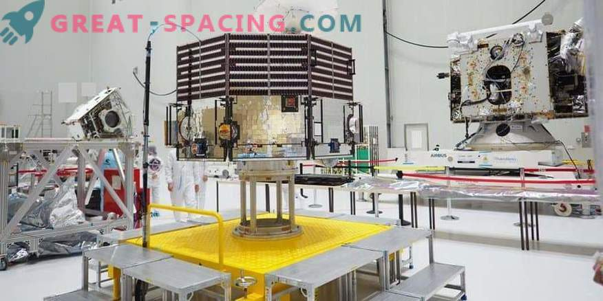 BepiColombo unpacked at the cosmodrome