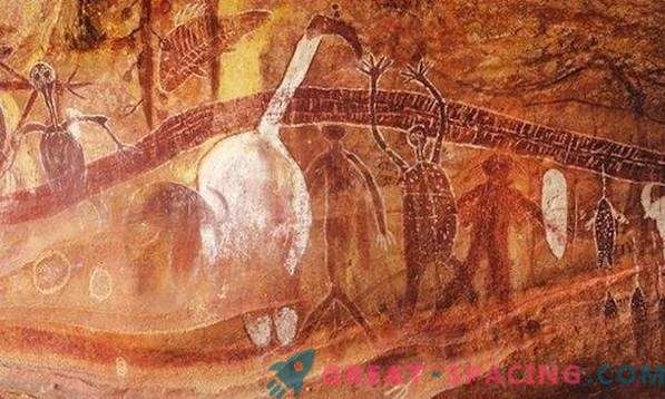 10 unusual rock paintings hinting at extraterrestrial beings. According to ufologists