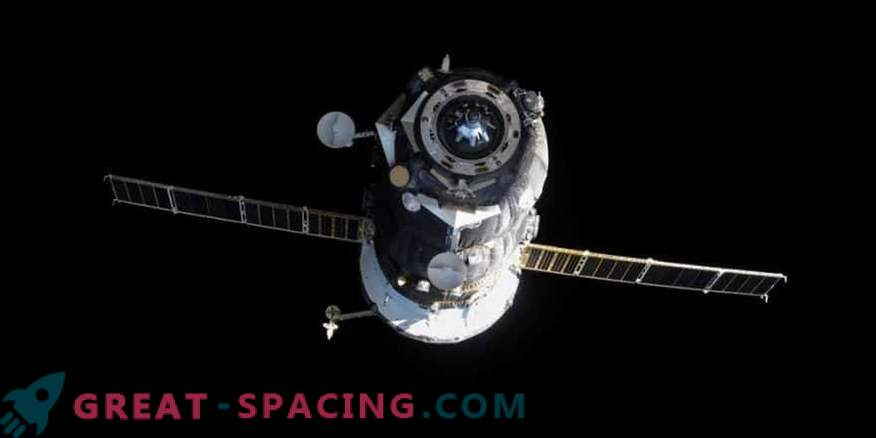 Russian ship coped with cargo delivery to ISS