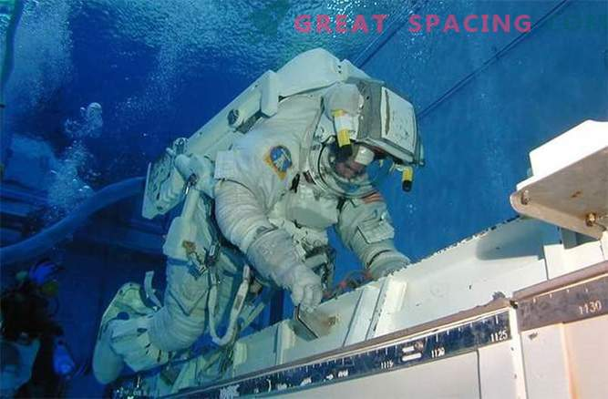 Where NASA simulates space for astronaut training: photo