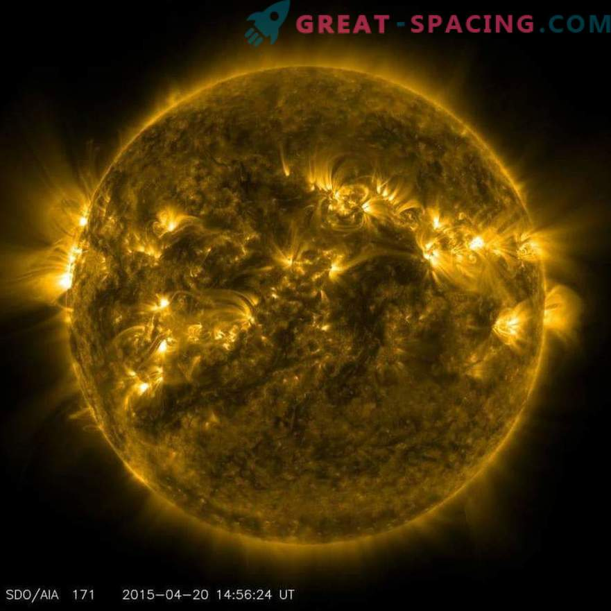 Powerful solar eruptions caused by huge magnetic lines
