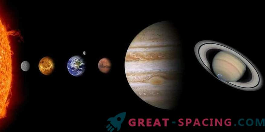 A new theory about the difference of planetary compositions in our system