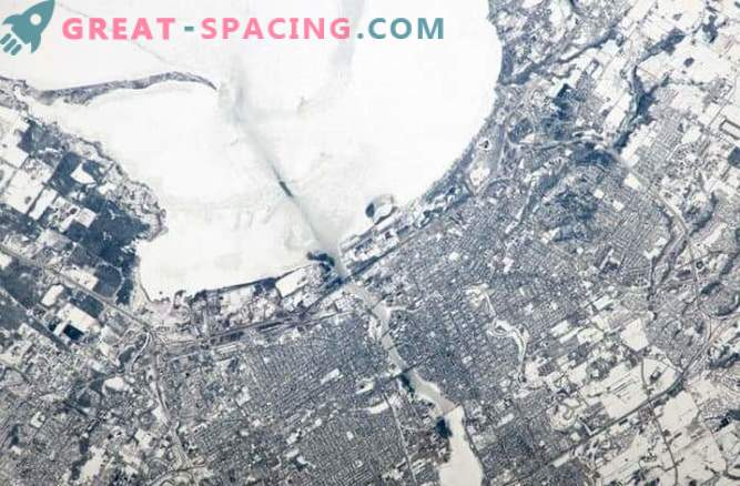 Urban Planning: Cities from Space