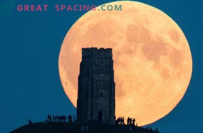 The next super-moon will be the largest since 1948