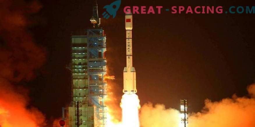 China seeks to outrun NASA with a super-powered rocket