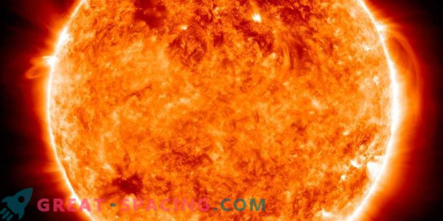 New detail in the solution of the hot solar atmosphere