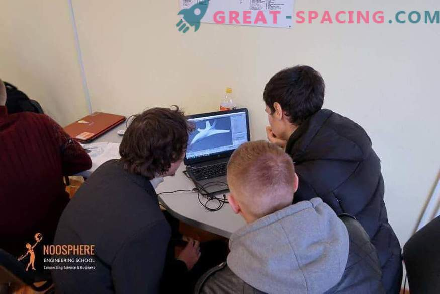 Max Polyakov gives a start to the development of student space projects