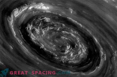 Thunderstorms on Saturn can be caused by huge polar cyclones