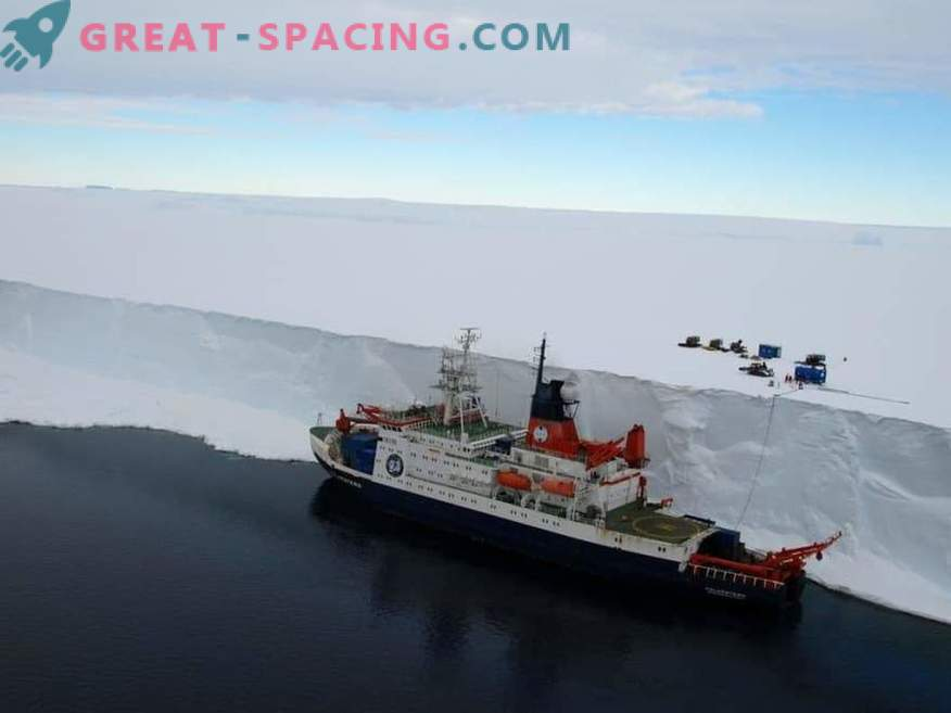 Expedition to the ends of the world. New attempt to prove the plane of the Earth