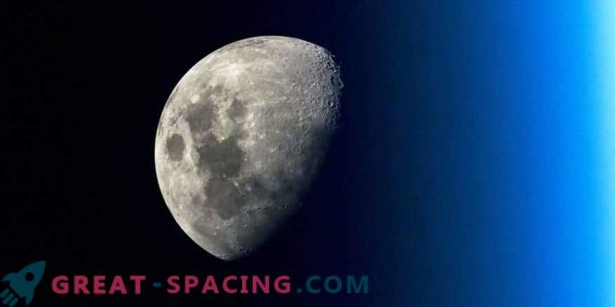 Space Photos: Moon Agenda