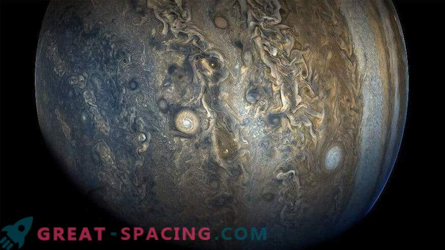 Mysterious event stopped the growth of Jupiter