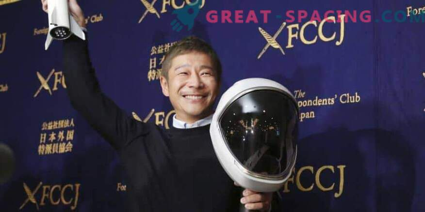 Japanese space tourist is ready to train for moon flight