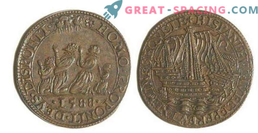 The pattern on an ancient 17th century French coin resembles an alien ship. Opinion ufologov