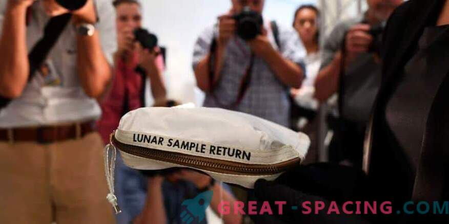 Neil Armstrong's moon bag sells for $ 1.8 million